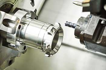 Manufatura avançada - Centro de torneamento e fresamento