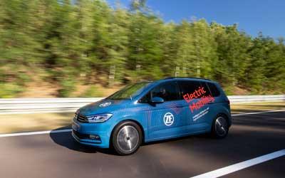 Com o acionamento modular de duas marchas da ZF, as montadoras de veículos elétricos podem atender por mais autonomia e melhor desempenho.