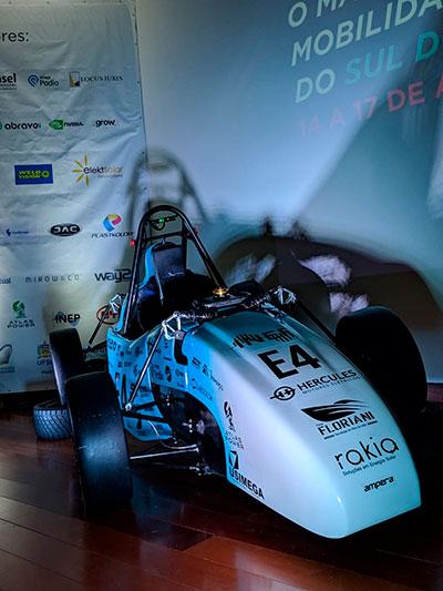 Carro da equipe Ampera Racing para Fórmula SAE 2019
