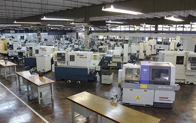 Os cursos do SENAI oferecem acesso às mais recentes máquinas, equipamentos e tecnologias.